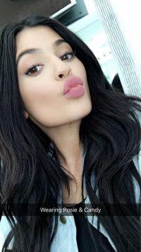 Kylie Jenner Wallpaper 42