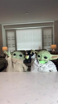Baby Yoda Wallpaper 10