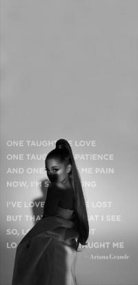 Ariana Grande Wallpaper 42